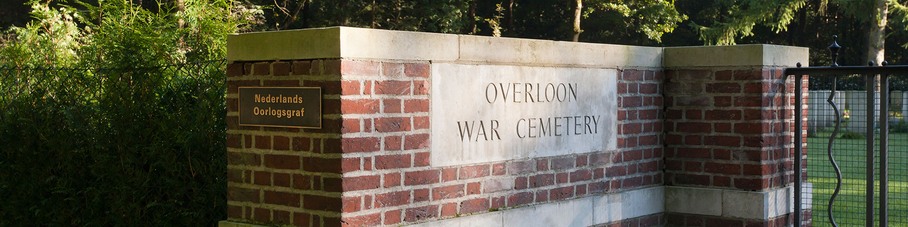 war-cemetery-overloon1